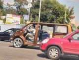 У Києві помітили дивний Volkswagen T6 без вікон і дверей