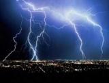 Вчені: Блискавки створюють антиматерію